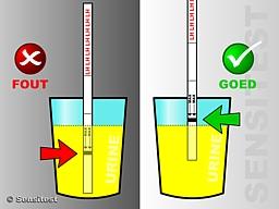 Doe de dipstick niet te diep in de urine.